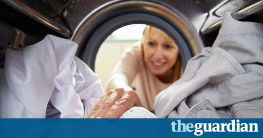 """#research: Women """"display femininity"""" by doing housework, men """"display masculinity""""by not"""