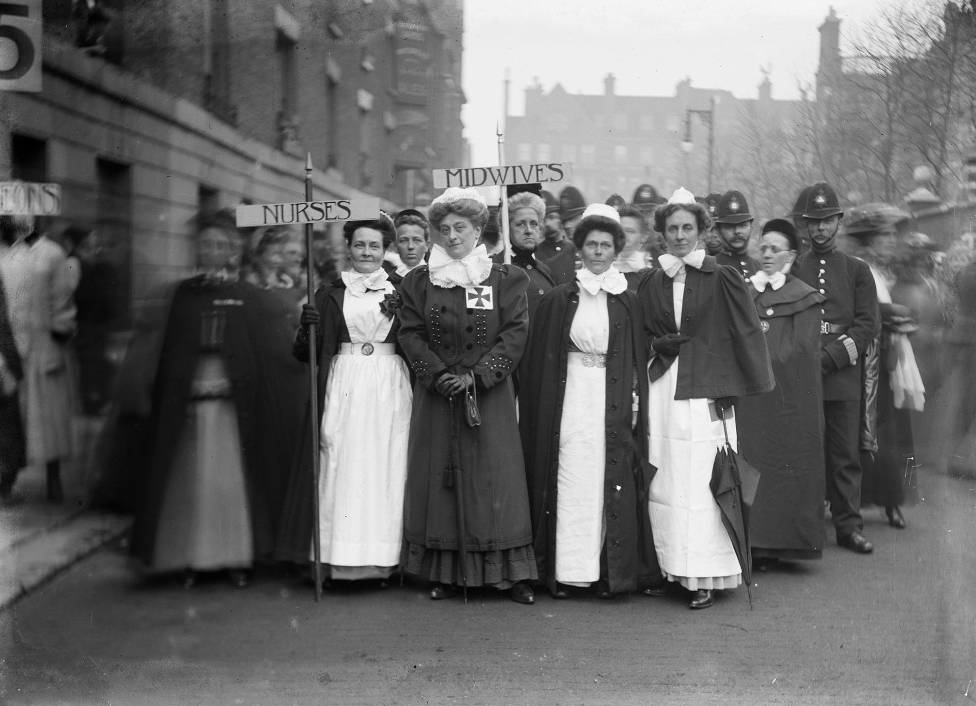 #picturethis: Soldiers in petticoats: portraits of the suffragettes